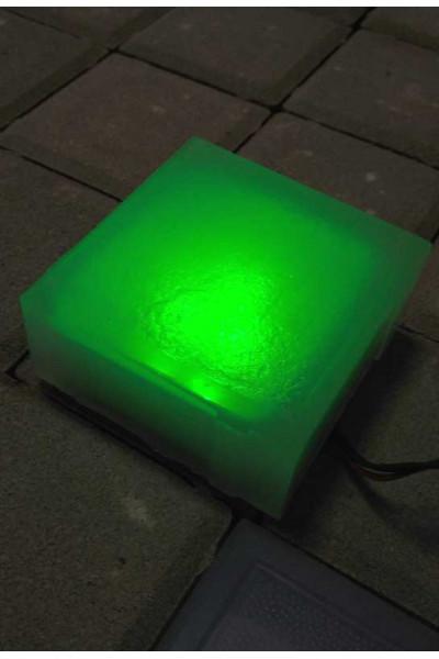 Брусчатка со светодиодами зеленого цвета