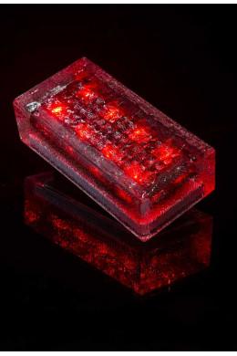Брусчатка на солнечных батареях красная
